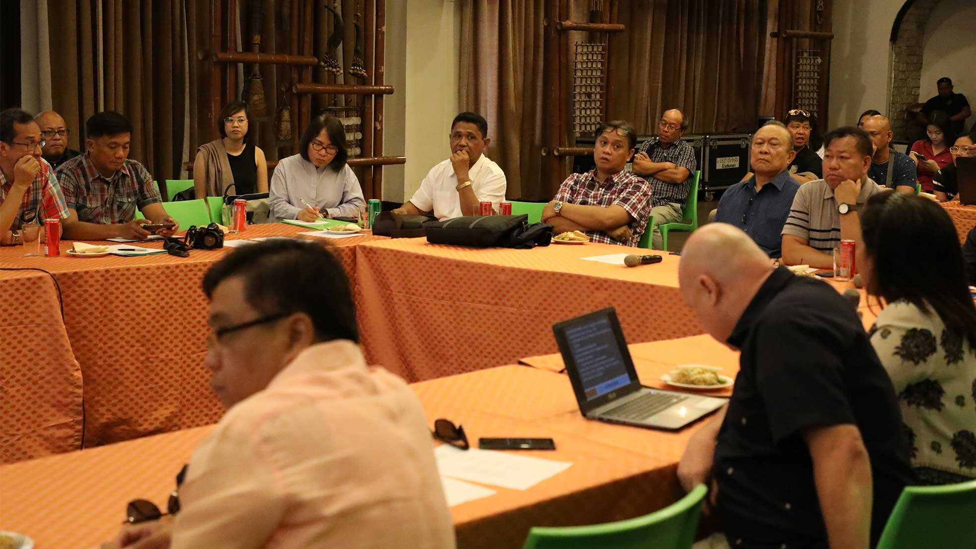 The Department of Environment and Natural Resources (DENR) and the Provincial Government of Palawan initiated the inter-agency meeting for the rehabilitation of El Nido and Coron, both premier tourism destinations in Palawan. Present during the activity were DENR Assistant Regional Director Vicente Tuddao, Governor Jose Chavez Alvarez, El Nido Mayor Nieves Rosento, among other officials. Photo from http://www.palawan.gov.ph/