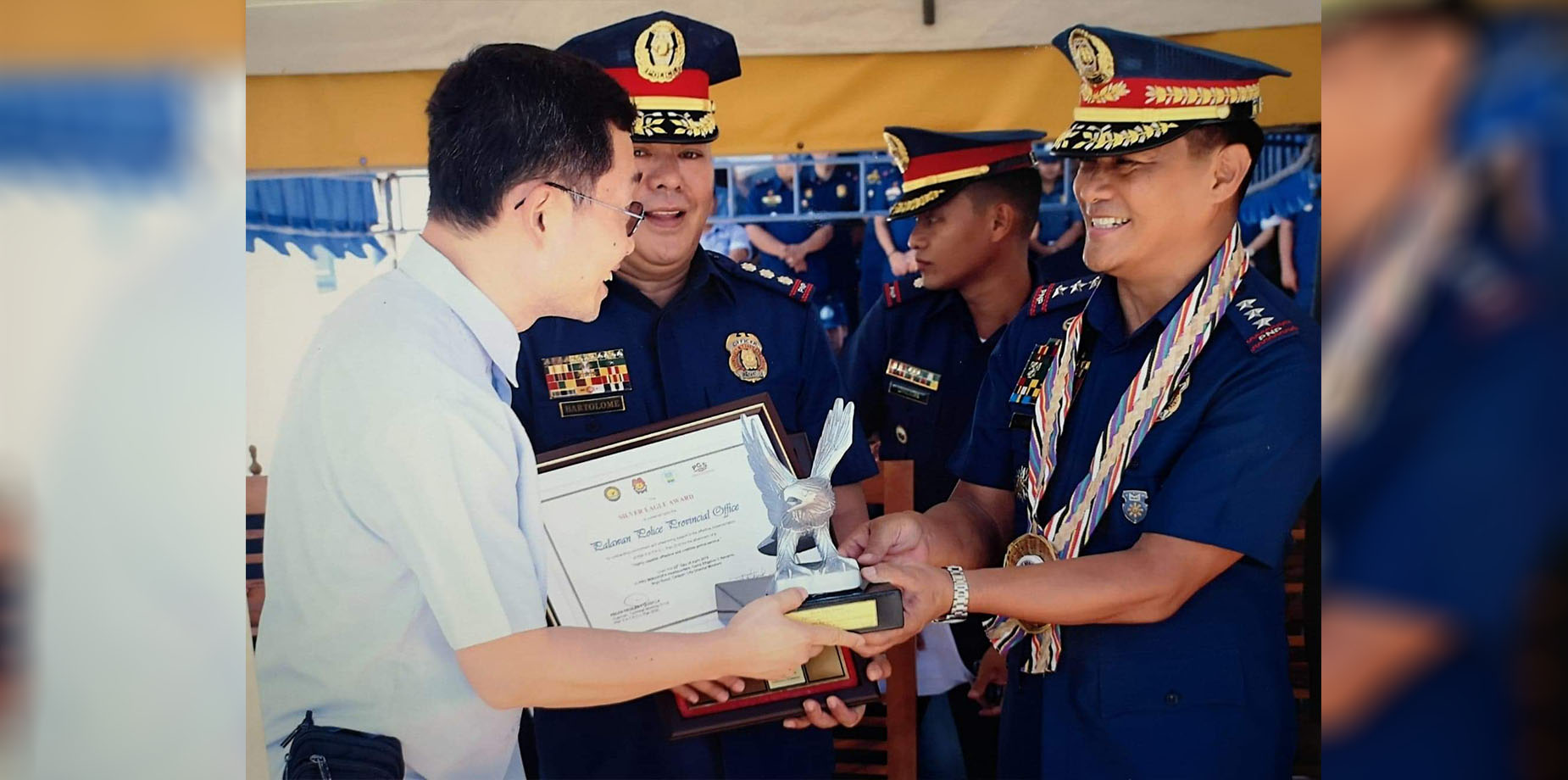 The Philippine National Police - Performance Governance System (PNP-PGS) Conferment and Awarding Ceremony of the Police Regional Office (RPO) - Mimaropa held in Calapan City. In photo: Dr. Jesus Ong (extreme left), chaiman, Palawan Provincial Police Office- Provincial Advisory Council (PPO-PAC), Police Colonel Dionisio Bartolome, Jr., provincial director, PPO (2nd from the left), and Police Lieutenant General Camilo Pancratius Cascolan, chief directorial staff, PNP National Headquarters (extreme right). (JO/PPO-PAC)  (Photo courtesy: Dr. Jesus Ong/Palawan PPO-PAC)