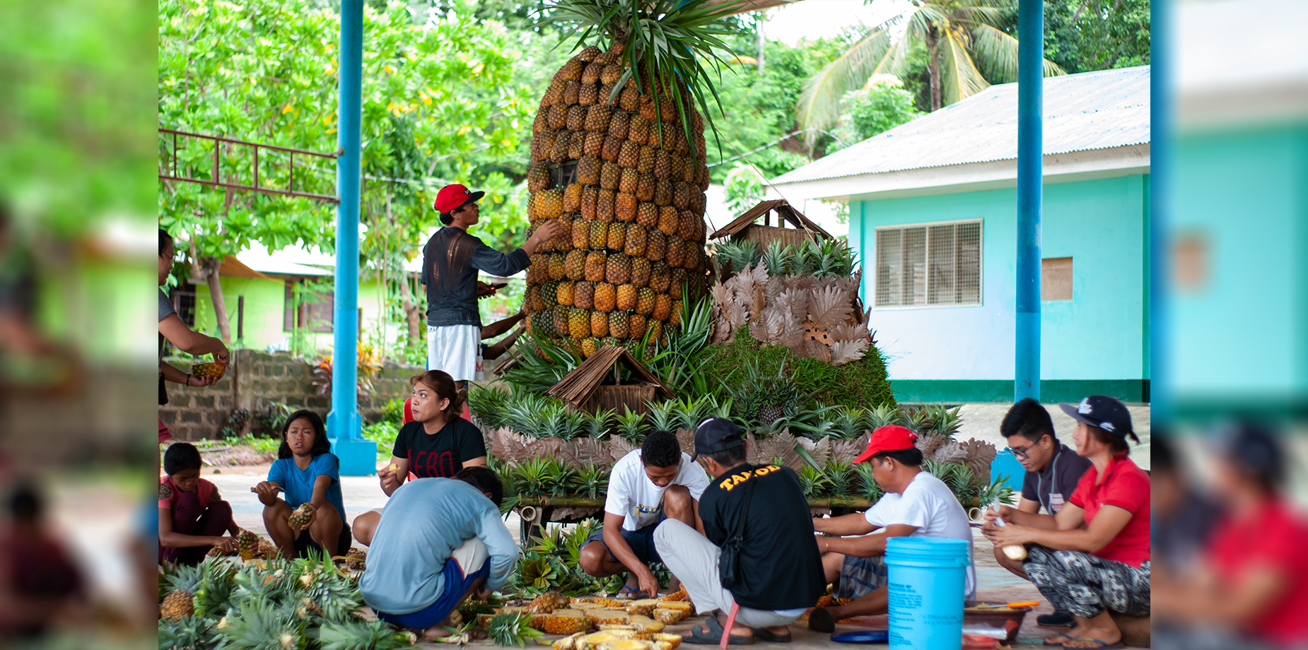 Barangay Bulalacao's entry to the float competition.  Photo by Sev Borda III / Palawan Daily News