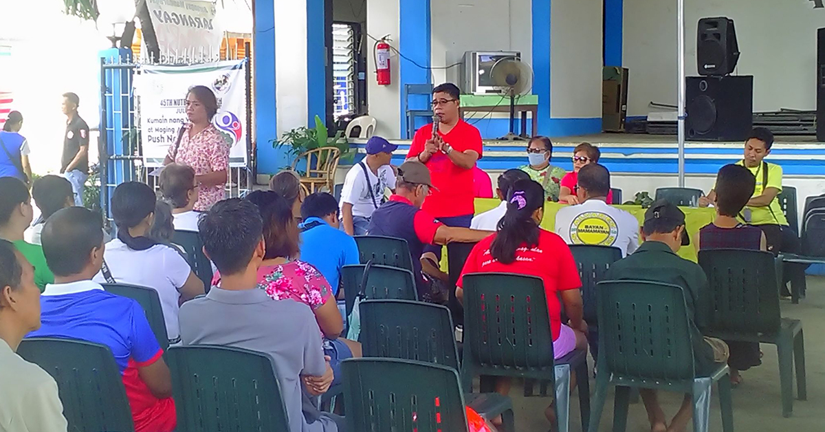 Bgy. Mandaragat barangay captain Gerry Abad informed his constituents that they will implement point system to manage their solid wastes. photo from the City ENRO.