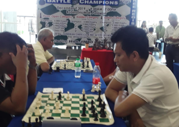 Participants vie for a spot at the Chess Battle of Champions organized by the Tandikan Chess Club that will take place on December 7. Photo by Reyjoy Bartolay