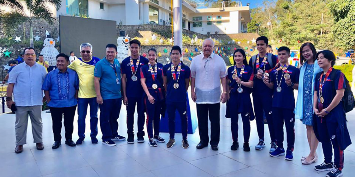 The City Government of Puerto Princesa awards the Palaweno SEA Games medalists. Photo from City Information Department of Puerto Princesa City