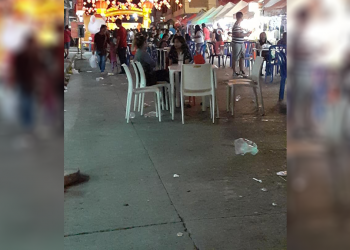 This photo shows garbage scattered along Valencia St. in front of Chinatown Center. Photo courtesy of Rouel Gasis Caralipio