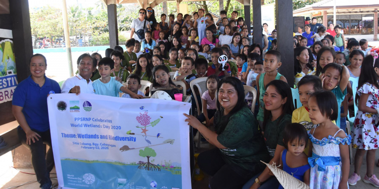 World Wetlands Day IEC and Puppet Show at Sabang Wharf, Barangay Cabayugan. Photo courtesy of Puerto Princesa City ENRO